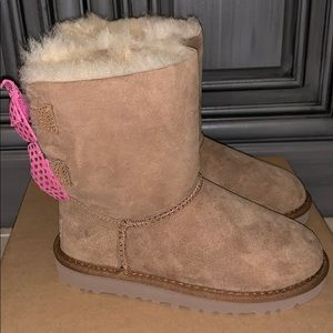 Girls Ugg boot meilani pink bows